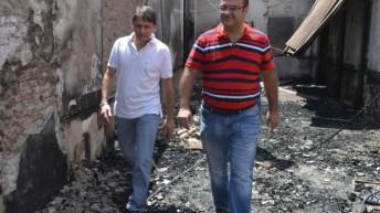 Oteo visitó la zona afectada por el incendio en La Escondida