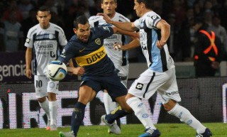 Boca luchó más de la cuenta y venció a Belgrano para seguir en la punta