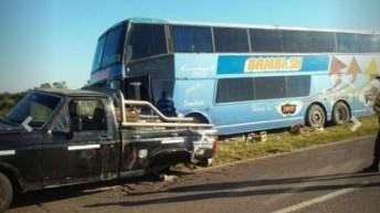 Sáenz Peña: un joven falleció a raíz de un choque entre un camión y un colectivo