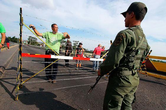 Aumenta la tensión entre Colombia y Venezuela pese a la reunión de los cancilleres