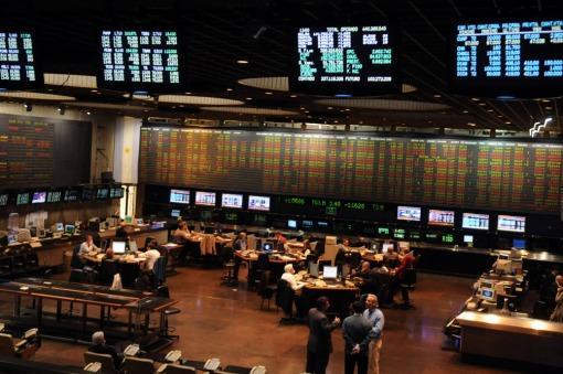 El cercano acuerdo con los acreedores impulsa subas en la bolsa porteña y Wall Street