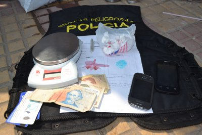 Aprehenden a presunto dealer callejero con 25 gramos de cocaína