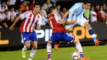 Argentina sumó su primer punto en las Eliminatorias en un áspero empate con Paraguay