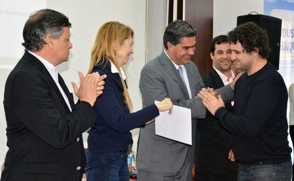 Impulso a los emprendedores jóvenes: Capitanich y Giorgi entregan créditos de Capital Semilla