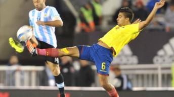 Sin Messi y sin rumbo, Argentina cayó ante Ecuador 2 a 0