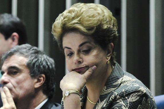 """Brasil: Dilma promete una """"enérgica"""" oposición tras su destitución 1"""