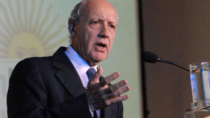 Por la inestabilidad económica, Lavagna canceló su campaña y pidió que lo imiten