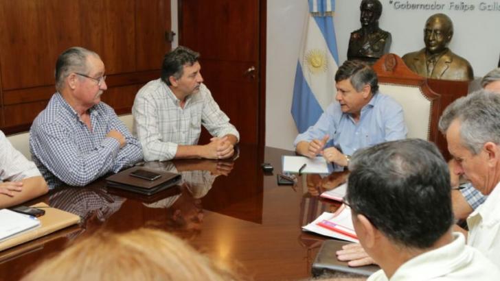 Gobierno y Federación Agraria buscan apurar la asistencia nacional a los pequeños productores