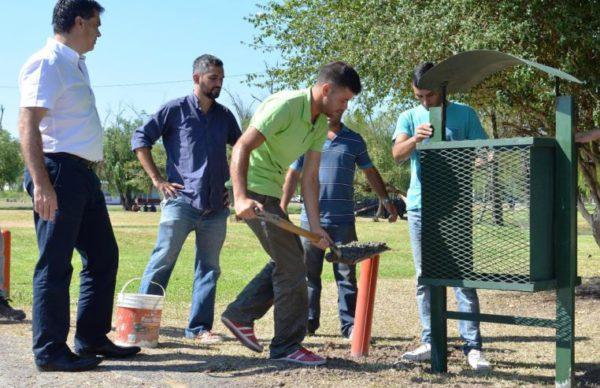 Colocaron cestos de residuos y plantaron nuevos arboles 1