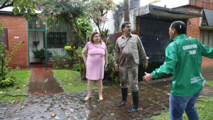 Tormenta: Capitanich recorre la ciudad atendiendo demandas de los vecinos afectados