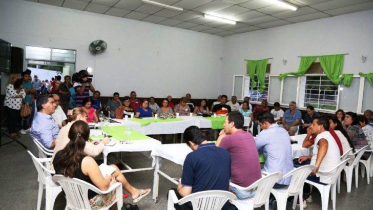 Comisiones vecinales: Capitanich encabezó tres reuniones en diferentes sectores de la ciudad