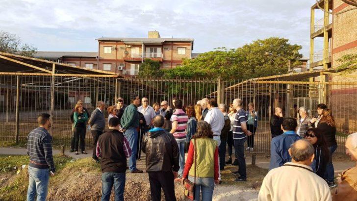 Capitanich planificó acciones con vecinos del barrio Cosecha y recorrió obras en la UNNE