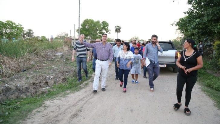 El intendente recorrió los barrios San Antonio y 244 Viviendas para escuchar las demandas de los vecinos
