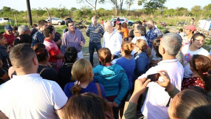 """El Municipio y vecinos del barrio """"Los Aromitos"""" diagramaron acciones de trabajo en conjunto"""