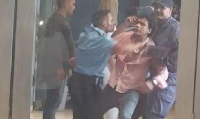 Protesta, toma, represión y detenciones en Casa de Gobierno