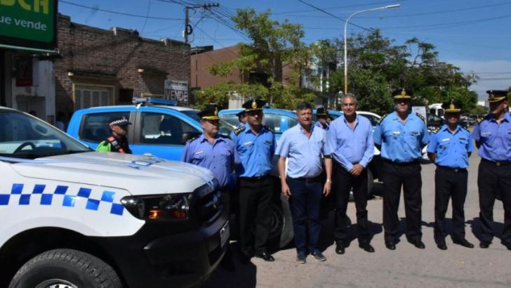 Seguridad: Peppo entregó patrulleros en Sáenz Peña