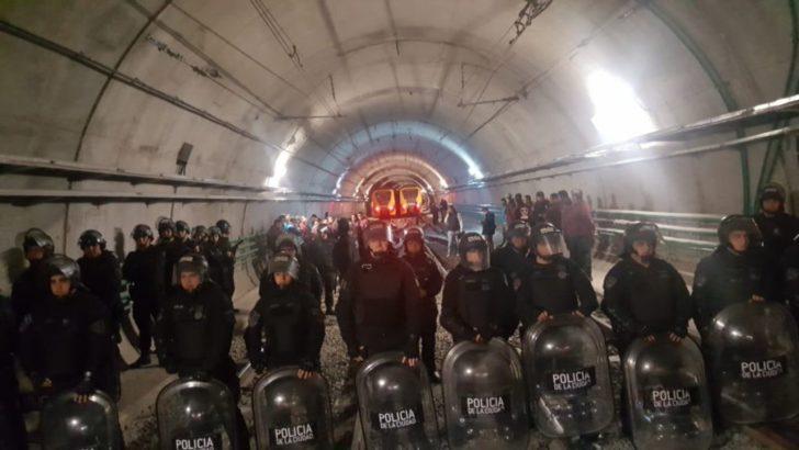 CABA: represión, detenciones y paro por tiempo indeterminado en los subtes