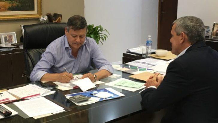 Corregido se reunió con Peppo para transmitirle reclamos del Consejo Qompi