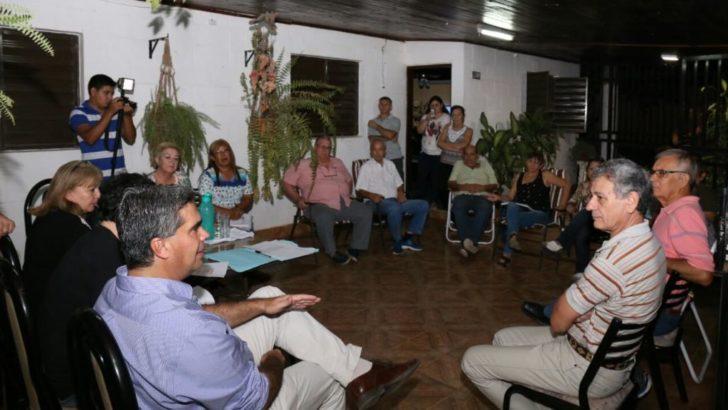 Proyectan obras de pavimento en los barrios Hipólito Yrigoyen y 244 Viviendas