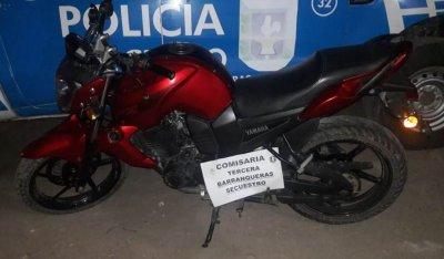 Barranqueras: secuestraron una motocicleta y un arma