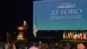 """Foro del Libro y la Lectura: Peppo instó a """"promover hábitos lectores para formar mejores ciudadanos"""""""