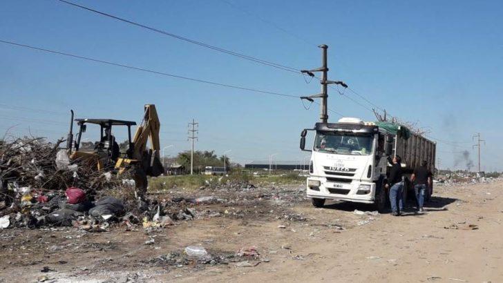 Mega operativo de saneamiento y limpieza del basural ubicado en Arribálzaga y Nicaragua