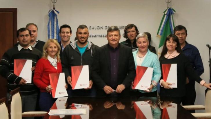 Peppo entregó nuevos créditos a emprendedores del interior provincial
