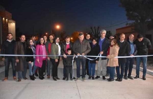 Peppo inauguró obras en Presidencia de la Plaza 1