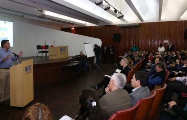Capitanich participó de las Jornadas de Capacitación en Prospectiva Municipal 1