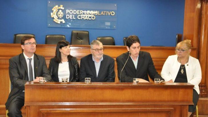 Juan Valdés, catedrático internacional, disertó en la Legislatura del Chaco