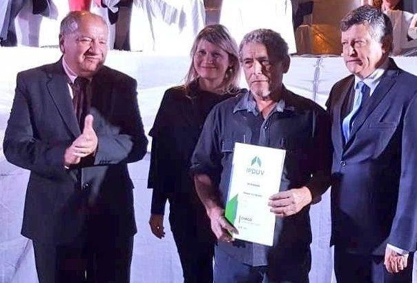 Laguna Limpia: Ipduv acompañó la entrega de títulos de propiedad