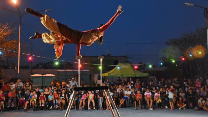 """Presidencia del Concejo: """"Chaque el Circo"""" brindó un gran show en Villa Itatí y el barrio Inmaculada"""