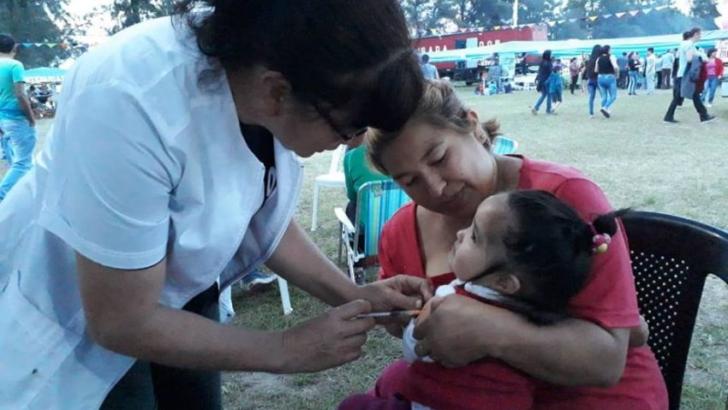 Avanza la campaña de vacunación contra el sarampión en toda la provincia