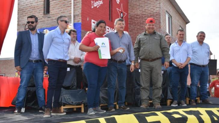Barrio Emerenciano: se habilitaron 20 viviendas y pavimento