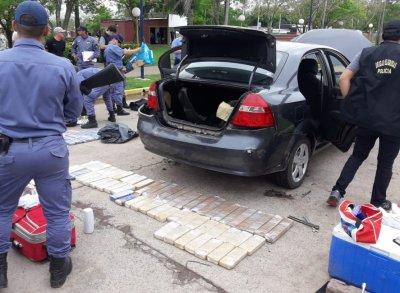 Basail: secuestraron más de 150 panes de marihuana