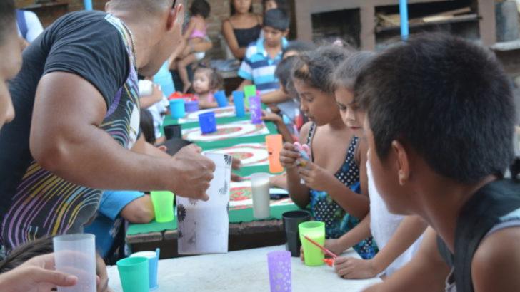 Barrios de Pie salió a pedir donaciones a supermercados