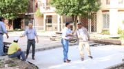 Capitanich supervisó el inicio de un nuevo frente de obra de pavimento en el barrio Llaponagat