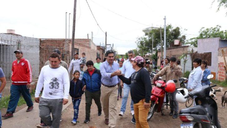 Capitanich recorrió Villa Marín donde diagramó trabajos de mejoramiento urbano junto a vecinos y cooperativistas