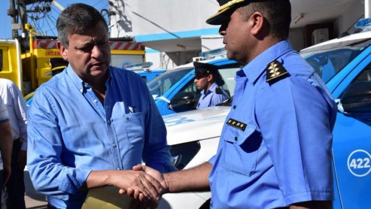 Entregaron vehículos y equipamiento para reforzar el accionar de la Policía y Bomberos