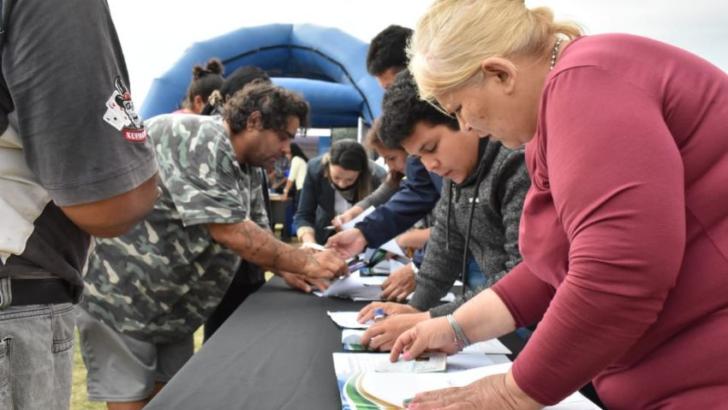 Ex Campo de Tiro: avanza el ordenamiento territorial con la entrega de certificados RUBH