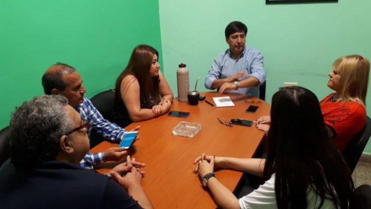 Gustavo y dirigentes de Barranqueras abordaron actividades políticas y sociales