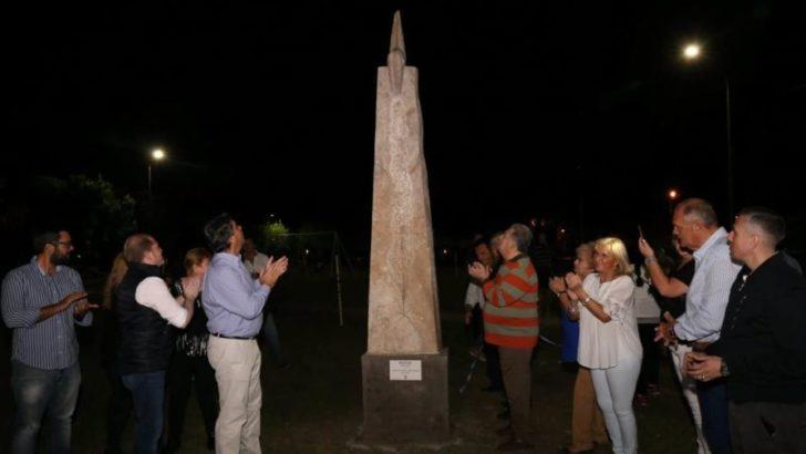 La plazoleta de Villa Don Enrique lleva el nombre del periodista Miguel Ángel Fernández