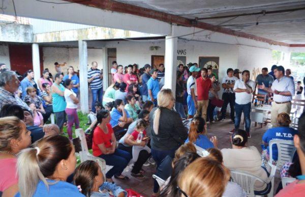 Barrio Mujeres Argentinas: Capitanich entregó herramientas y coordinó trabajos junto a vecinos 1