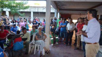 Barrio Mujeres Argentinas: Capitanich entregó herramientas y coordinó trabajos junto a vecinos