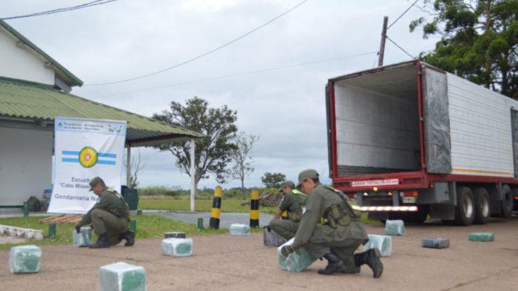 Corrientes: decomisaron más de 285 kilos de marihuana, ocultos en un camión térmico