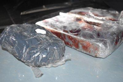 Incautan casi 3 kilos de cocaína y 250 mil pesos