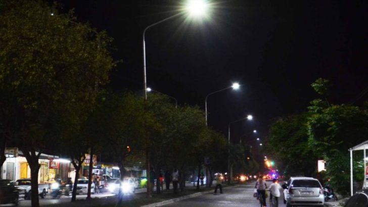 Más iluminación led en calles del centro y avenidas de Resistencia