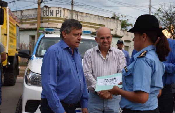Policía y Bomberos: se entregaron vehículos y equipamiento en San Martín 1