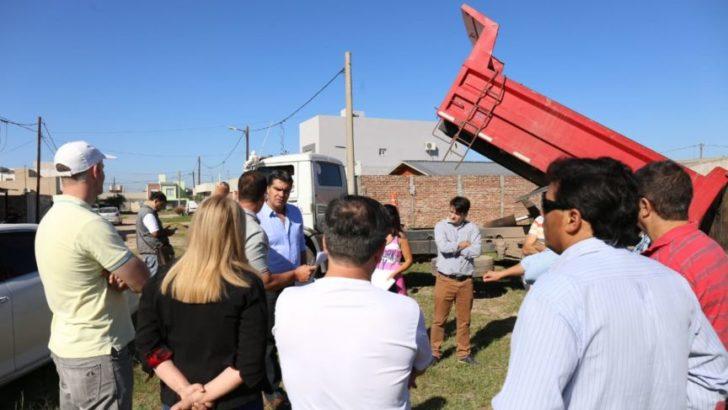 Barrio Felipe Gallardo: Capitanich supervisó trabajos municipales y el avance del programa de arbolado urbano
