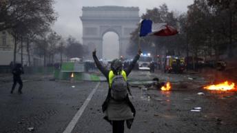 Francia: Macron prohibió las protestas de los chalecos amarillos